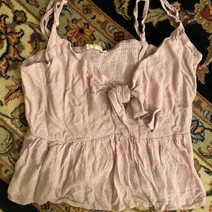 Super cute tank top with knot infront